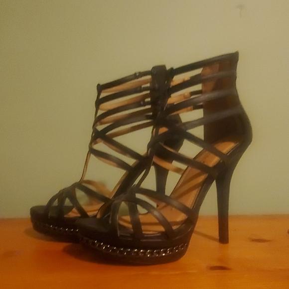 Shoe Dazzle Shoes - Black Pumps